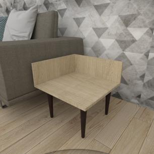 Mesa lateral simples em mdf amadeirado claro com 4 pés retos em madeira maciça cor tabaco