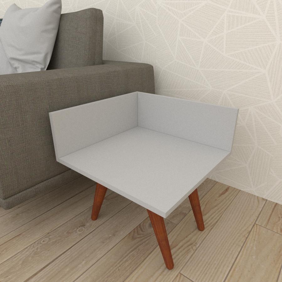Mesa lateral simples em mdf cinza com 4 pés inclinados em madeira maciça cor mogno