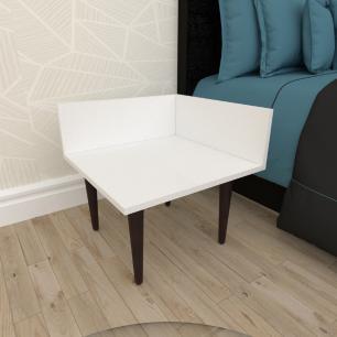 Mesa de Cabeceira simples em mdf branco com 4 pés retos em madeira maciça cor tabaco