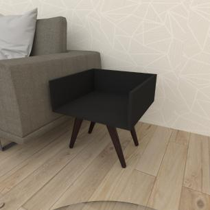 Mesa lateral minimalista em mdf preto com 4 pés inclinados em madeira maciça cor tabaco