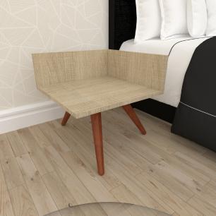 Mesa de Cabeceira simples em mdf amadeirado claro com 3 pés inclinados em madeira maciça cor mogno