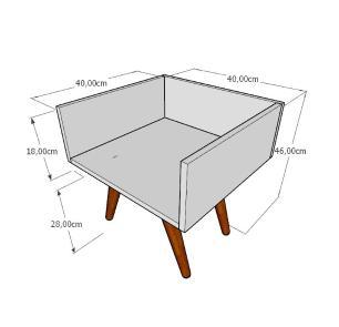 Mesa lateral minimalista em mdf amadeirado claro com 4 pés inclinados em madeira maciça cor mogno