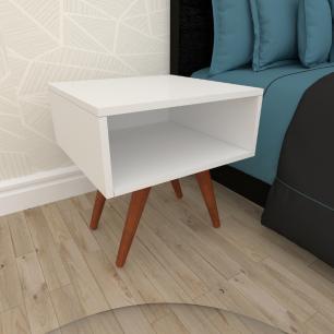 Mesa de Cabeceira em mdf branco com 4 pés inclinados em madeira maciça cor mogno