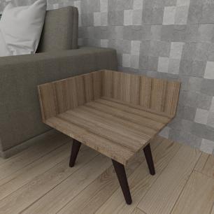 Mesa lateral simples em mdf amadeirado escuro com 4 pés inclinados em madeira maciça cor tabaco