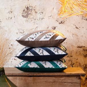 Almofada Grega Floral e Veludo Fendi 50x50 Muguet Home