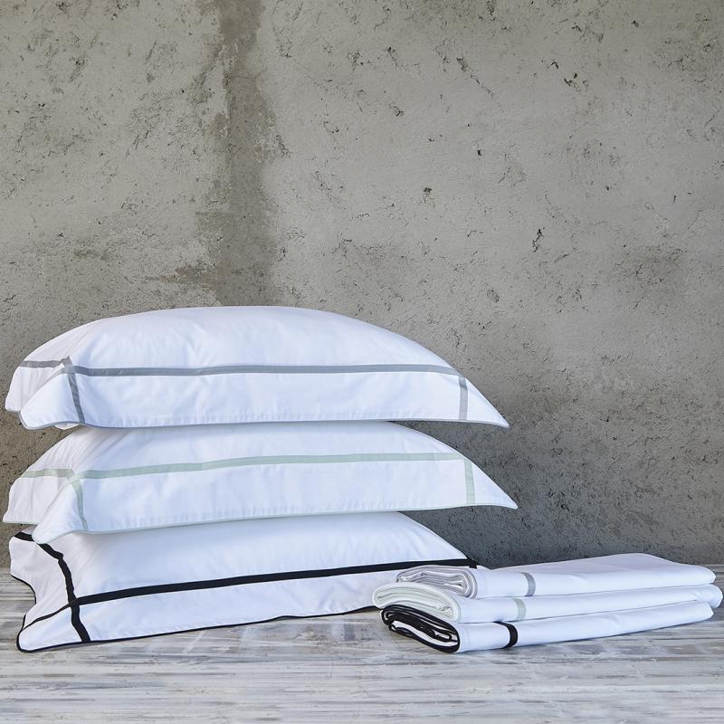 Fronha Avulsa Vernon Fitado Branco 600 fios 50x70 Muguet Home