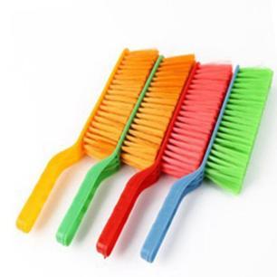 Escova de limpeza cores diversas - Monaliza Import
