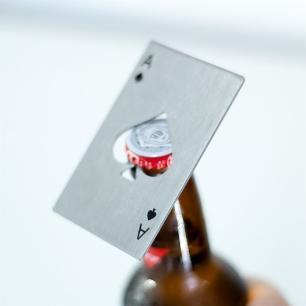 Abridor de Garrafa Poker Card Espadas Aço Desembrulha