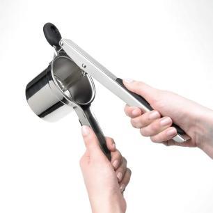 Espremedor de Batatas em Aço Inox 30 cm OXO
