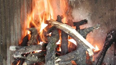 como prender fuego para asado