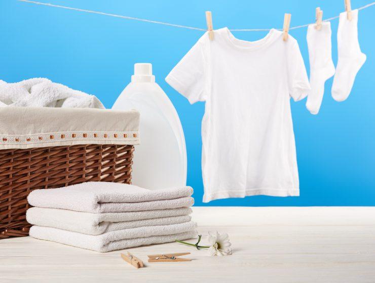 cómo blanquear la ropa blanca