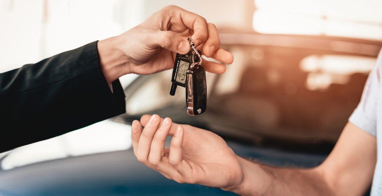 Qué se necesita para transferir un auto