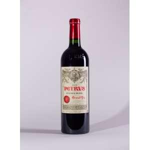 Château Petrus 2005<br>Pomerol - Bordeaux - França<br>WS 100 / RP 97+<br>Quant: 1 gf(s) - 750ml