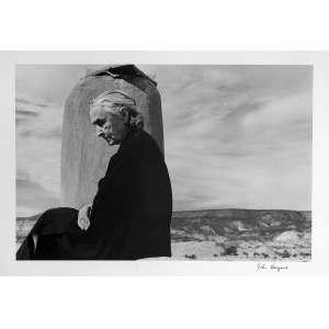 John Loengard - Georgia O'keeffe at Abiquiu, New Mexico: Assinatura à tinta no canto inferior direito. Gelatin silver print. Dimensões 26 x 38 cm. Autor: Loengard, John.