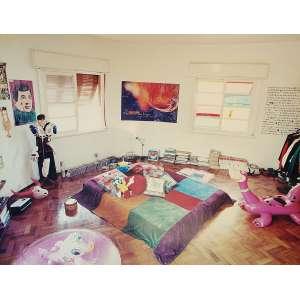 Rochelle Costi - Quartos: Foto de quarto (muitas cores). Dimensões 177 x 229 cm.