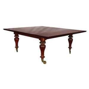Mesa de Almoço: Mesa de Almoço com 8 (oito) lugares em Mogno, datada do Século XX, estilo George II, com ferragens e articulações de época. 74 x 192 x 168 cm