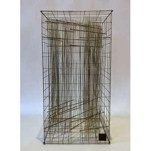 Leon Ferrari (1920 - 2013) - Sem título - escultura em metal - edição 53/250 - 35 x 18 x 18 cm - assinada - 1982