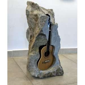 Nuno Ramos (1960) - Sem título - 82 x 50 x 50 cm