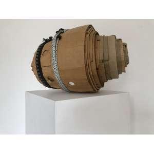 Ivens Machado - (1942 - 2015) - Enroladinho - papelão e elástico - 35 x 53 x 35 cm - Com certificado Marcia Barrozo do Amaral Galeria de Arte.