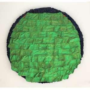 Leda Catunda - (1961) - Babados verdes - acrílica sobre tecido - 51 cm de diâmetro - assinada no verso - 1993