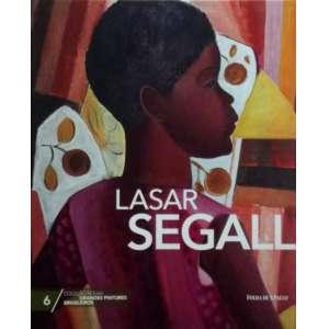 Lasar Segall. Nascido na Lituânia e marcado pela condição de emigrante, Lasar Segall (1891-1957) foi o principal artista da vanguarda europeia a se radicar no Brasil, onde criou grande parte de sua obra. Depois de viver os anos de formação em Berlim, expôs em São Paulo e Campinas em 1913, retornou em 1923 e mudou-se definitivamente para o Brasil em 1932. O impacto inicial da cor tropical transformou sua paleta, emprestando-lhe cores claras e luminosas, mas essa exuberância durou pouco - Segall logo retomou o aspecto intimista, psicológico e expressionista de sua pintura. Um dos fundadores da Sociedade Pró-Arte Moderna (SPAM), esteve muito próximo dos modernistas de São Paulo. Em 1967, dez anos após a sua morte, a casa e que viveu e trabalhou, na Vila Mariana, foi transformada no Museu Lasar Segall. Capa dura, ricamente ilustrado, formato 29x24 cm, 93 paginas.