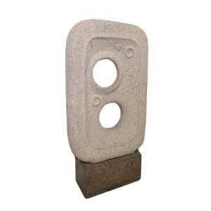 Francisco Stockinger - Escultura em Pedra - alt1.50. larg 98 cm. Profund. 27 cm.Base - larg 76 cm alt 36cmprofunfid. 36 cm - ex coleção Milton Matos era <br />
