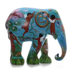 Obra: Querubins /Artista: Beatriz de Carvalho<br /><br />Entidade beneficiada: Elephant Family (www.elephant-family.org)<br /><br />Justificativa da autora: A idéia por trás dessa obra é o conceito de que os índios são os querubins protetores da Amazônia.<br /><br />Uso: Interno e Externo - Medidas: Altura 146 cm - Comprimento 166 cm - Largura 75 cm - Peso 35 kg<br /><br />Materiais: Fibra de vidro, tinta acrílica e verniz PU. <br /><br />*A escultura de elefante é leiloada sem a base*