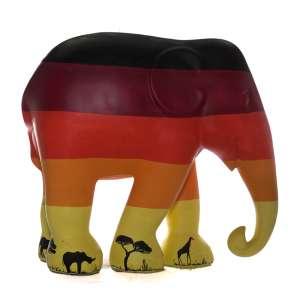 Obra: Sunset / Artista: Rafael Mantesso<br /><br />Entidades beneficiadas: Elephant Family (www.elephant-family.org)<br /><br />Justificativa: A obra foi inspirada nas cores do por-do-sol da Savana africana.<br /><br />Uso: Interno e Externo - Medidas: Altura 146 cm - Comprimento 166 cm - Largura 75 cm - Peso 35 kg<br /><br />Materiais: Fibra de vidro, tinta acrílica e verniz PU. <br /><br />*A escultura de elefante é leiloada sem a base*