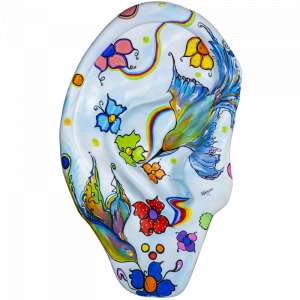 Rita Caruzzo - Escultura personalizada em fibra de vidro no formato de orelha . Medidas: 240x95x40cm (AxLxP)<br/>Obra: O Amor que Cura<br/>Artista: Rita Caruzo<br/>Inspiração do projeto: O amor que cura - pintei um jardim bem colorido com beija flor simbolo do amor ao proximo da cura força e alegria da delicadeza que seja um exemplo que a cidade fique mais alegre espero poder contribuir com minha arte com o projeto tão importante.<br/><br /><br />Obra: O Amor que Cura <br/><br />Artista: Rita Caruzzo <br/><br />Inspiração do projeto: O amor que cura - pintei um jardim bem colorido com beija flor simbolo do amor ao proximo da cura força e alegria da delicadeza que seja um exemplo que a cidade fique mais alegre espero poder contribuir com minha arte com o projeto tão importante. <br/><br />Medidas orelha: 160x95x25cm (AxLxP) <br/><br />Medidas base*: 80x60x40cm (AxLxP) <br/><br />Materias: Fibra de Vidro, Tinta Acrílica e Verniz PU. <br/><br />Pode ser exposta em ambiente externo. <br/><br />*A base da escultura também faz parte desse lote. <br/><br />