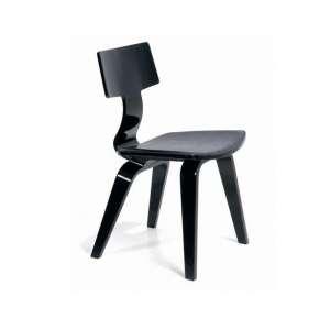 Pedro Useche - Sem data, Cadeira ML, Laca preta e assento em couro preto - medida em cm: 78 x 44 x 50