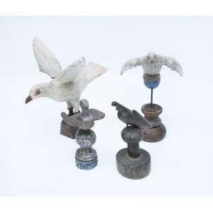 4 esculturas representando Divino Espirito Santo em madeira com policromia.