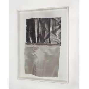 Carlos Fajardo<br />Desenho em malha de aço e chumbo. <br />96 x 71 x 11 cm.