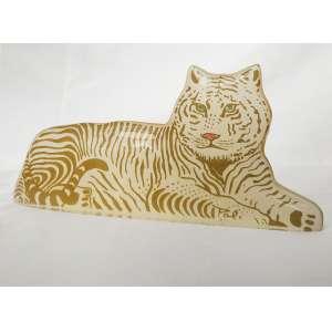 Abraham Palatinik<br />Tigre, escultura em resina poliéster policromada, assinada e em perfeito estado. <br />6 x 14 cm.
