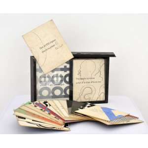 Peter Smith <br />Objeto montável em caixa de madeira, assinado e numerado 5/100.<br />23 x 36 x 9 cm. (caixa).