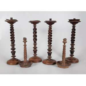 6 castiçais de madeira sendo 4 grandes - 47cm alt. e 2 pequenos, 30cm alt. Minas Gerais séc XVIII. (no estado).