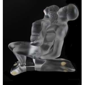 "Escultura cristal Lalique ""Couple Lovers"" lapidado e jateado, assinado na base. 16 x 15 cm - França, séc. XX"