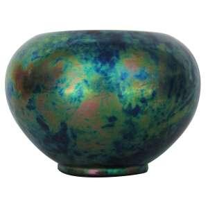 "Bowl ""Zsolnay Pecs"", cerâmica esmaltada e iridescente, reflexos metálicos, tons azuis / verde, selo na base. 13 x 18 cm - Hungria, séc. XIX"