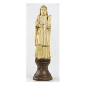 Imagem sacra Indo-Portuguesa, marfim finamente esculpido, sobre base circular de madeira. Alt. 26 x 07cm (total). Goa, séc. XVII/XVIII.