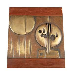 ELVIO BECHERONI – Escultura em bronze com base de madeira; assinado – 20,5 x 24 x 20 cm
