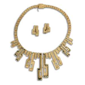 BURLE MARX, Roberto (1909 – 1994) - Conjunto de Colar e Par de Brincos<br>ambos em ouro 18k, ass. no fecho<br>colar: 20 x 16 cm / 119 g<br>brincos: 3,5 x 20 cm / 17 g