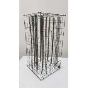 """LÉON FERRARI - """"Gaiola"""", escultura em fio de aço, 87/250, 35 x 18, assinada na parte inferior esquerda."""