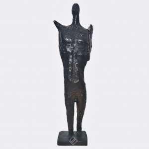 FRANCISCO STOCKINGER - Guerreiro. Medidas 30 x 8 cm. Escultura em Bronze Patinado. Com certificado emitido pela SKULTURA Galeria de Arte. Ano: 1976. Estado de conservação: Excelente.