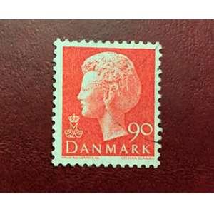 Selo impresso na Dinamarca mostrando a rainha Margrethe II,por volta de 1974