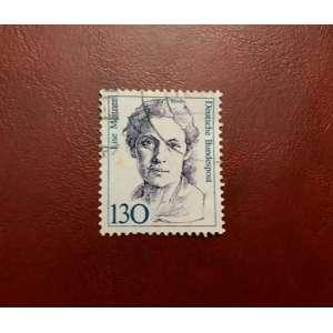 Selo alemão lançado em 1988<br />Lise Meitner foi uma física austríaca que estudou radioatividade e física nuclear, tendo sido a descobridora da fissão nuclear