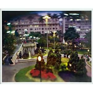 Claudio Edinger - Série São Paulo - Praça Ramos de Azevedo - fotografia - tiragem 1/5 - medindo 80x100cm.- assinado no verso.