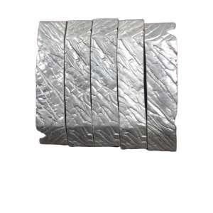 Maria Bonomi, Composição de 5 esculturas - fitas, Escultura em aluminio, 8 alt X 42 larg (cm), ass. na peça, Ano: 2002 -Histórico: ( Cada uma assinada na peça e datada)