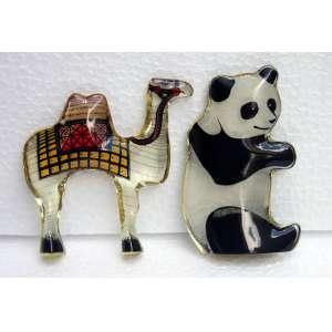 Abraham Palatnik, Panda e Camelo, Resina, ass. na peça (medida Panda 10x6 e Camelo 10x10)