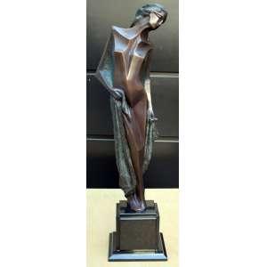 Santos Lopes, Lembranças de um Verão, Escultura em Bronze, 80 alt (cm), ass na peça, Ano: 1997, Acompanha coluna triangular em Granito medindo 90 alt x 50 larg