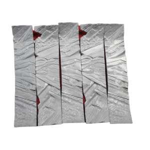 Maria Bonomi, Composição de 5 esculturas - fitas, Escultura em aluminio, 8 alt X 42 larg (cm), ass. na peça, Ano: 2002 (( Cada uma assinada na peça e datada))