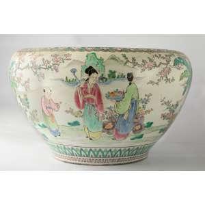 Macetero en porcelana de Pekin China pintada a mano circa 1900. Medidas: 22 x 37 cm